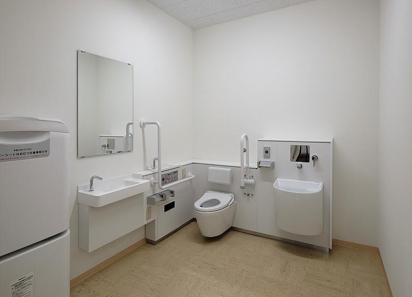 3階多目的トイレ