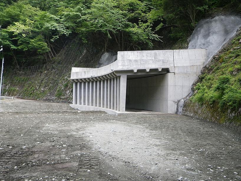 玄倉林道洞門工事(山北町)